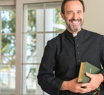 8 Unique Gifts to Give Your Pastor