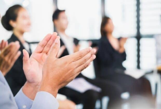 Tips for Planning and Hosting an Employee Award Ceremony